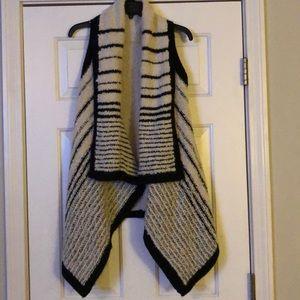 NWOT Cream and black Striped Sleeveless Cardigan